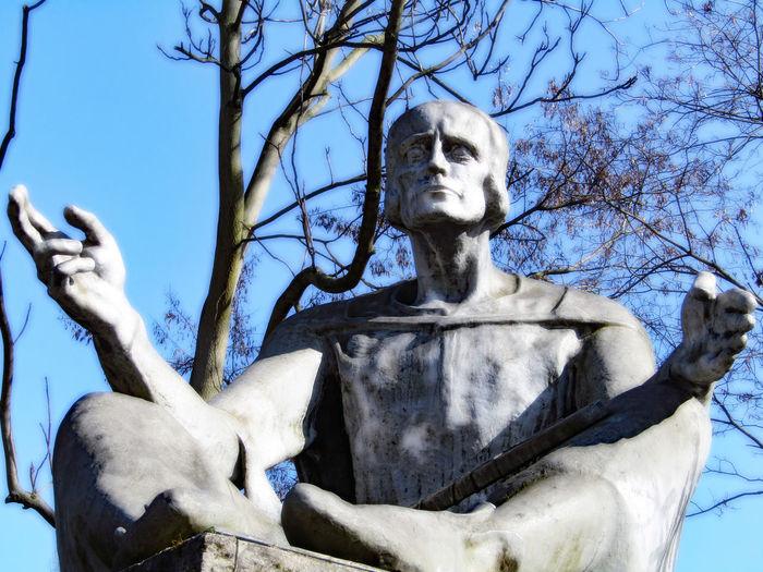 Eike Von Repgo Monument Magdeburg Sachsenspiegel