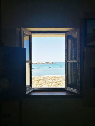 🎶 y desde mi ventana ... 🎶 Window Water Sea Indoors  Blue Sky Tranquility Nature Tranquil Scene No People Geometric Shape Artistic Castillodesantacatalina Cádiz, Spain Andalucía Spain🇪🇸 Photographylovers Huaweiphotography Photo Lovephotography  Huawei P9 Mj LoveMyPhoneCamera Summer