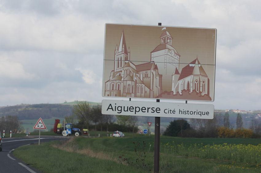 Auvergne L'auvergne Panneau Village