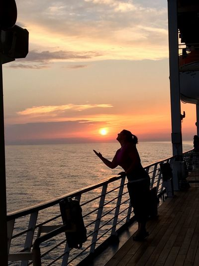 Cruises always mean great sunsets!! Sea Sunset Horizon Over Water Beauty In Nature Water Nature Scenics Sky Silhouette Tranquil Scene Real People Cloud - Sky One Person Lifestyles Full Length Tranquility Cloud Sky Sky And Clouds Woman Silhouette Outdoors Cruise Ship Beach Standing EyeEmNewHere Let's Go. Together. Sommergefühle