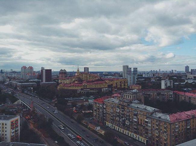 Почувствуй октябрь Vscocam VSCO Vscogood Vscophile Msk Moscow Clouds Sky Foto Fororus инстаграмнедели Instagood Instadaily Architecture City Москва МояМосква небо облака Likes Like Instagram Instalike October
