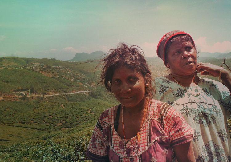 Sri Lanka SriLanka Reportage Tea Plantation  Street Photography Two People Real People Leisure Activity Togetherness Bonding Lifestyles Emotion Women People Females Nature The Art Of Street Photography