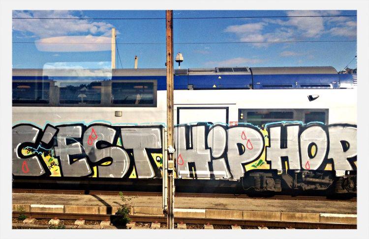 Gare Chateaucreux, Streetart Graffiti Art Taking Photos that's Hip Hop