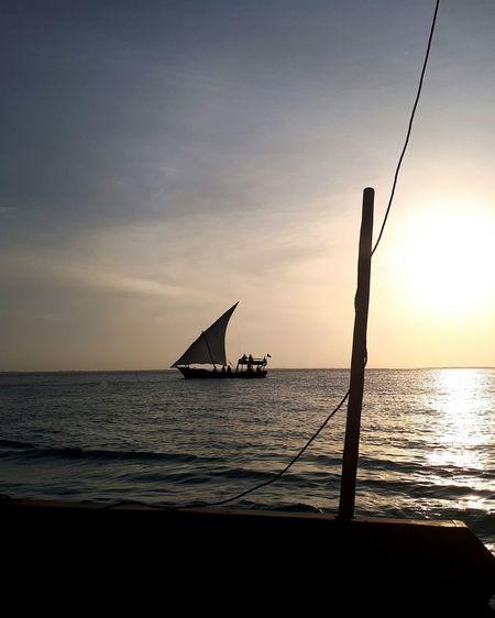 Silhouette Scenics Sky Sunlight Cloud - Sky Horizon Boat Distant Horizon No People