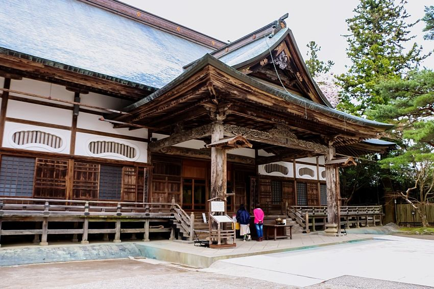 The Architect - 2016 EyeEm Awards Japannes Temple Architectural Photography Japanese Culture Japannes Architecture Wood House Architecture_collection Architecturelovers