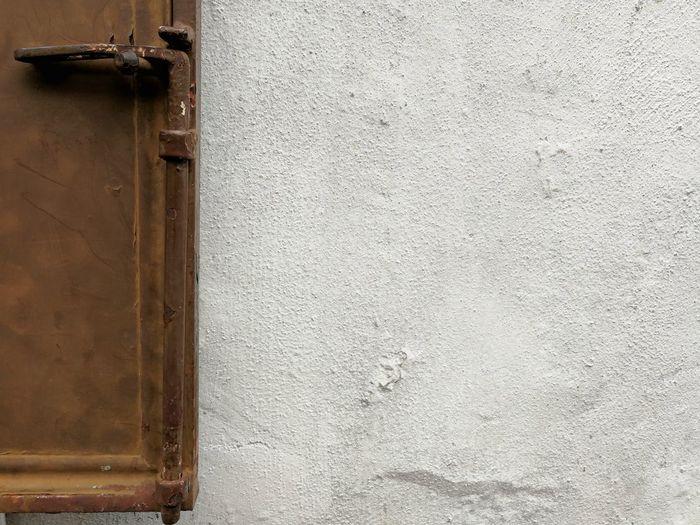 Rusty Wall -