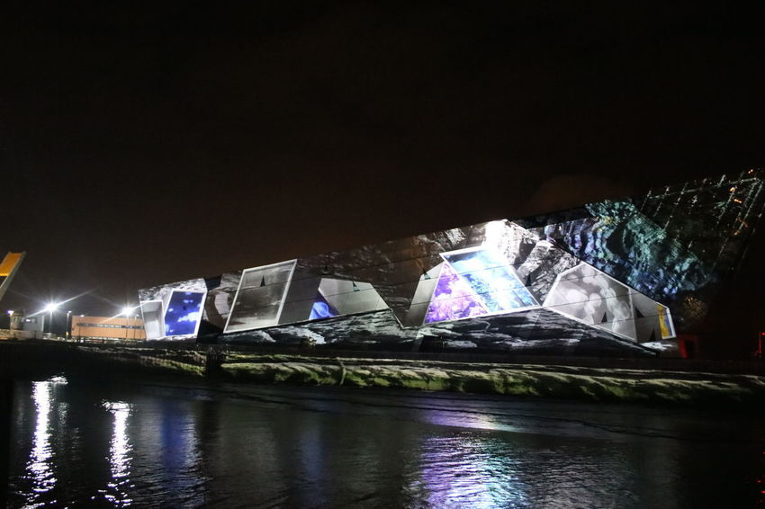 floe : heinrich and palmer light projection against the deep Art Installation Hull Hull City Of Culture 2017 Hull2017 Light Projection The Deep Hull Art Projection Floe:heinrich And Palmer Hull 2017 Light Projection