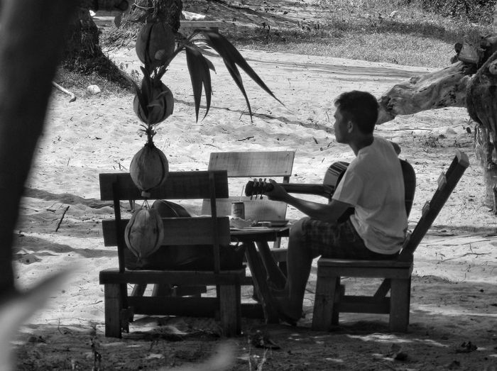 Lost In Music Lost In Thought... Guitar Guitarist Music Time On The Beach Nothingisordinary Chilling Relaxing Gentleness Koh Chang EyeEm Thailand Coconuts The Great Outdoors - 2016 EyeEm Awards