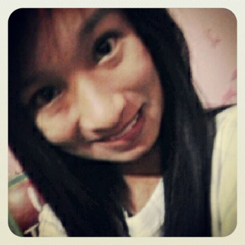 Roses are red. I'm going to bed. Haha Late Puyat Eyebags Goodnight :-)