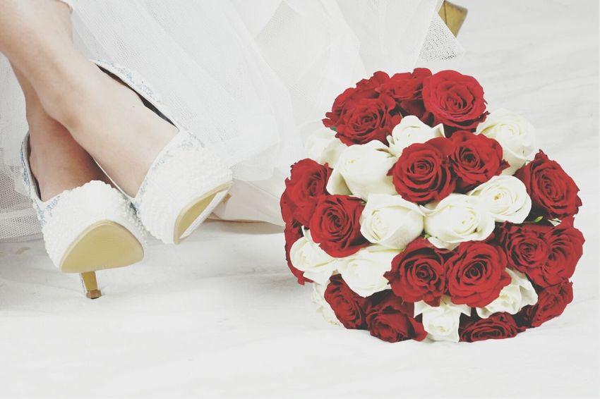 Red Wedding Dress Weddingshoes Party - Social Event Weddingphotography Pre-wedding Shoot Close-up Bride Bridal Bouquet Love Arabian Wedding Culture Saudi Arabia