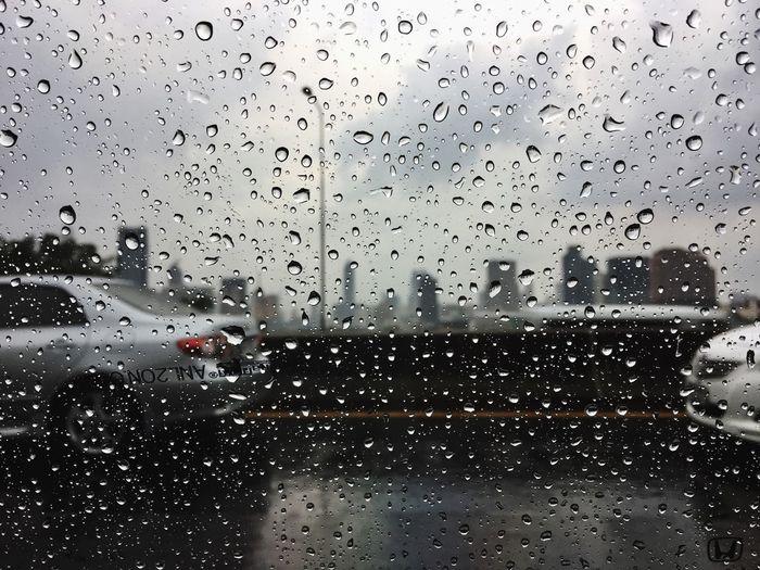 Rainy day #drops #ontheroad #Ontheway #traffic #rainyday Window Drop Transparent Glass - Material Wet Rain Car