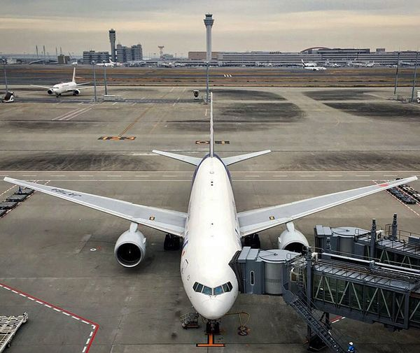 My favorite place ✈️ Airport Hnd TKO International Tokyo International Airport My Favorite Place Plane Buildings Fly Away Flying High Overseas