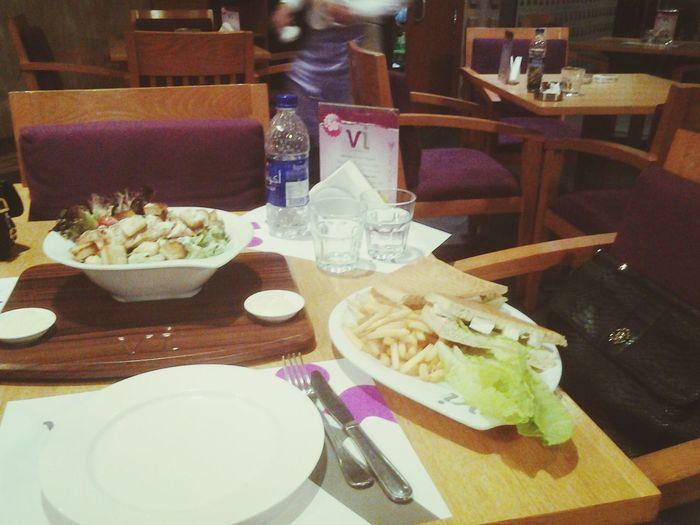 مدري ليه احب هالمطعم... Love ♥ Dubai❤ Riyadh Me Time