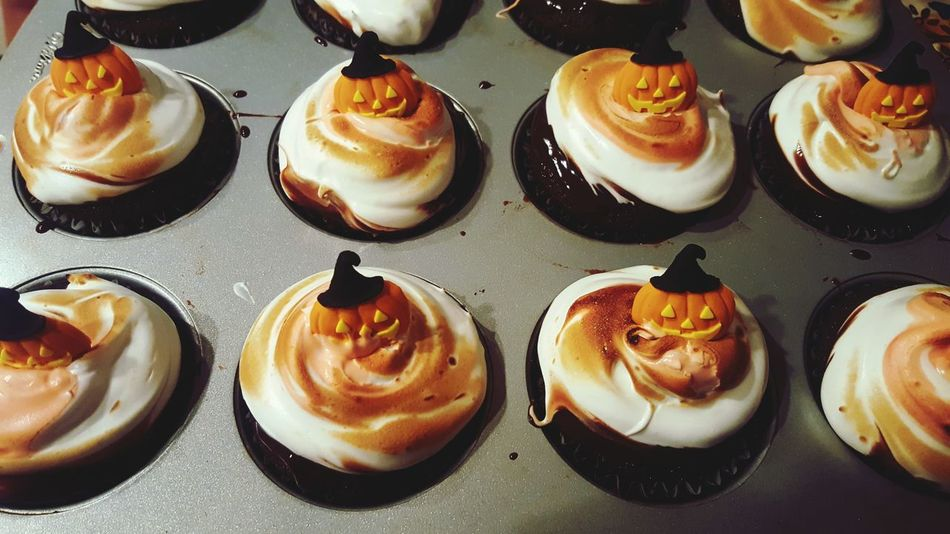 chocolate orange cupcakes with meringue and ganache🙃🎃 Food And Drink Food Sweet Food Dessert Indulgence Ready-to-eat Indoors  Freshness Unhealthy Eating Temptation Cupcake Serving Size Table No People Cream Whipped Whipped Cream Close-up Tart - Dessert Day Halloween Halloween Treats EyeEm Best Shots EyeEm Gallery