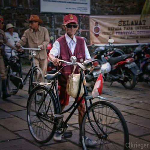 Tua tetap kerennn!!! @clkrieger @instagallery_indonesia Clkrieger_transportation614
