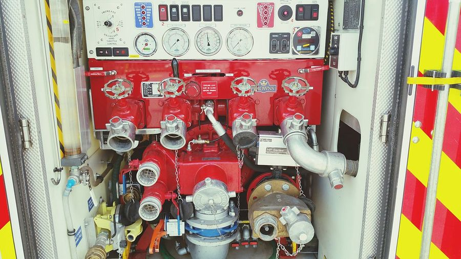 Connectors for fire hose in fire truck