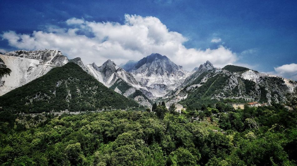 Toskana Carrara EyeEm Selects Mountain Nature Beauty In Nature Scenics Tranquil Scene Tranquility Mountain Range Cloud - Sky Sky Snow Landscape Snowcapped Mountain Day Winter Tree Outdoors No People Range Cold Temperature