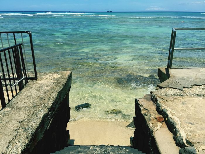 Stairway to surfing bliss! Surfing Enjoying The Sun Islandlife Hawaii Sea Lost In The Landscape