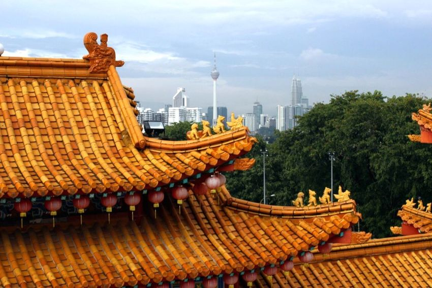 Architecture Built Structure Building Exterior Roof Sky City No People Outdoors Day Tree Chinese Chinese Temple Kuala Lumpur Kuala Lumpur Malaysia  Malaysiacape] Place Of Worship Travel Travel Destinations Travel Photography Traveling Travelling Travelphotography Tiled Roof  The Architect - 2018 EyeEm Awards