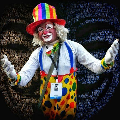 Celebration Joker Multi Colored Perspective Photography EyeEmNewHere First Eyeem Photo PhonePhotography Mobile_photographer Happiness Joker ❤️  Jokersmile Clownface Clown