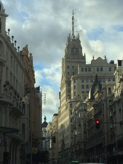 Architecture Sky Built Structure City Lifestyles Lovephotography  Lorenagarciaphotography Madrid Lovecity  No People Granvia Relaxing Time