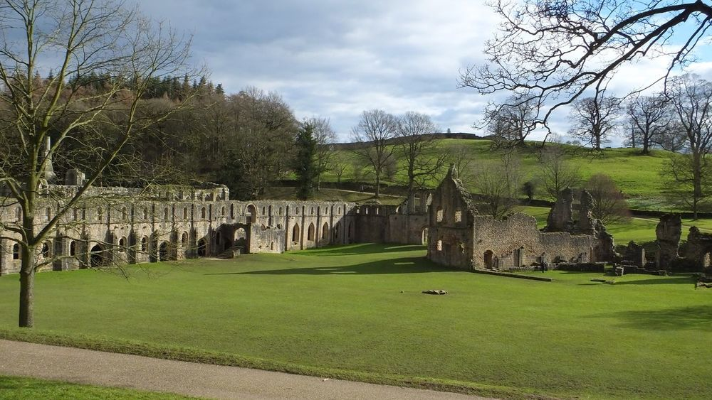 Abbey Abbey Ruins Fountains Abbey Fountains Abbey Yorkshire Abandoned Buildings Abondoned Buildings Stone