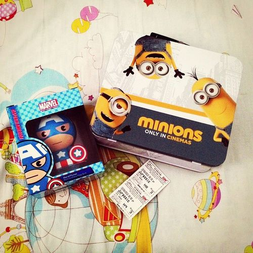 Just watched Jurrasic World and got Minions n' Cap America combos from CGV ;'x The movie was terrific and the combos are so cute ~ ! Enjoy the day <3 JurrasicWorld Minions Captainamerica Combos Cgv Nice MOVIE Cute