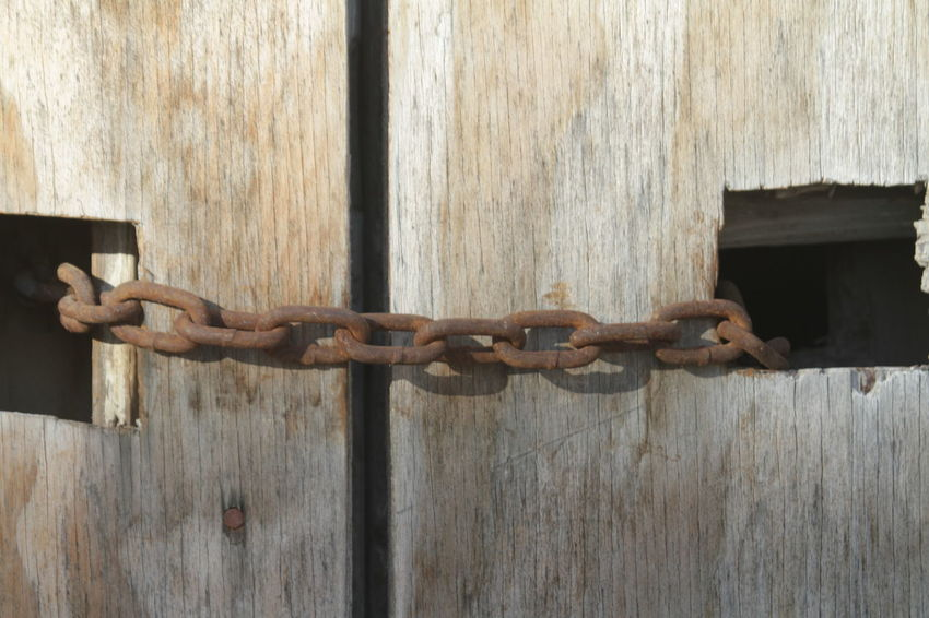 Chain Chainlinks Close-up Closed Day Lock Locked Up Metal Outdoors Protection Rusty Safety Security Wood - Material