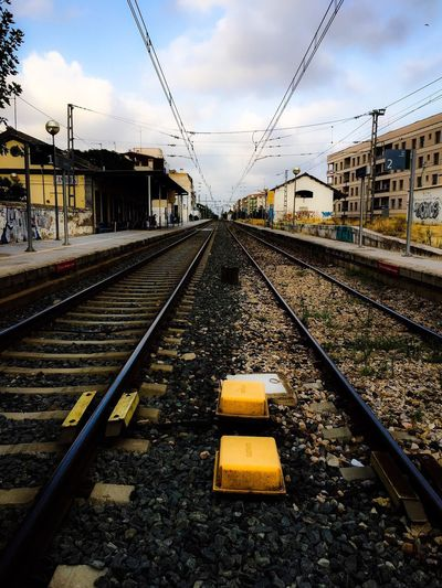 Cambrils vías Railroad Track Rail Transportation Transportation Cable Sky The Way Forward Day No People Built Structure Outdoors Public Transportation Architecture Building Exterior Nature