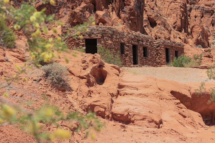 The cabins Red Rock Formation Tourist Attraction  Valley Of Fire Ancient Architecture Arid Climate Building Story Built Structure Cabin Geology Mountain Nature No People Outdoors Red Color Rock - Object Sandstone State Park  Travel Destinations California Dreamin