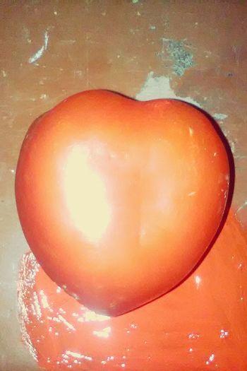 Tomate Corazón Sangre Lastimada Triste