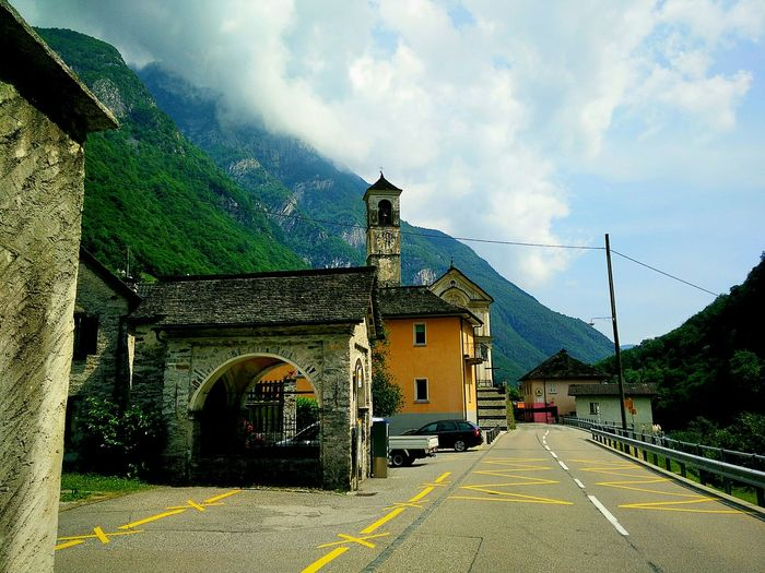 Beautiful Nature Walking Around Switzerland Love In Air Tourism Traveling Around