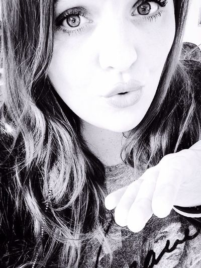 Beautiful Fun Flirty  Kisses❌⭕❌⭕ Kisses Kisses ♥ Selfie ✌ Beauty Flirty Eyes