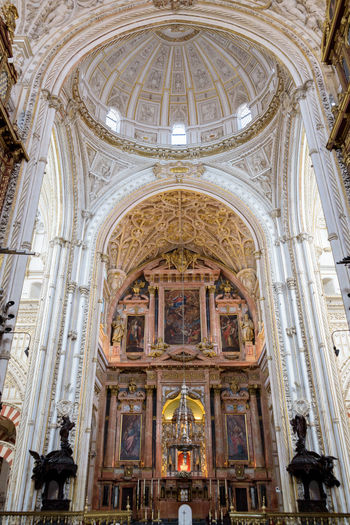 Sanctuary in the Cathedral of Cordoba, Spain Ancient Architecture Bright Cathedral Church Córdoba Mezquita Mezquita De Córdoba Ancient Architecture Arch Arches Building Buildings First Eyeem Photo Religion Religious  Religious Architecture Sanctuary