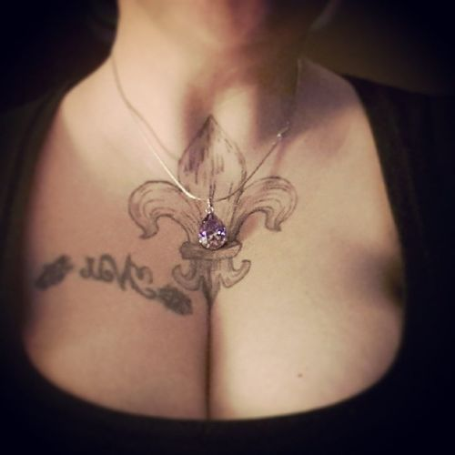 I just love the way my necklace brings out my eyes.... Ctfu Teamsnowbunny Dead Thickgirl plussize whitegirl bbw bbwlovers bigisbeautiful goodgirlgonebad spoiled instagood boobs clevage morehashtagsthaniknowwhattodowith