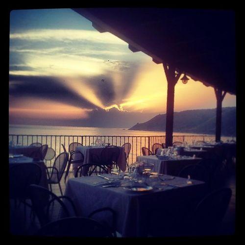 Tramonto d'estate al villaggio La Maree Villaggiolamaree Tramonto Sunrise Estate Summer Pisciotta Cilento Pncvd Campania