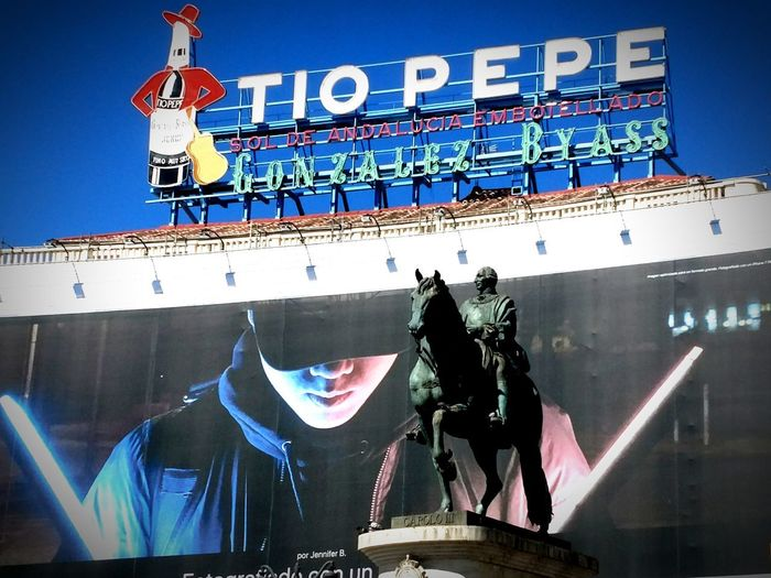Urban Skyline Outdoors Streetphotography City Life Walking Around Madrid SPAIN City Travel Destinations Lifestyle No People Turistic Places Sculpture Low Angle View Tiopepe Advertising Pop Culture