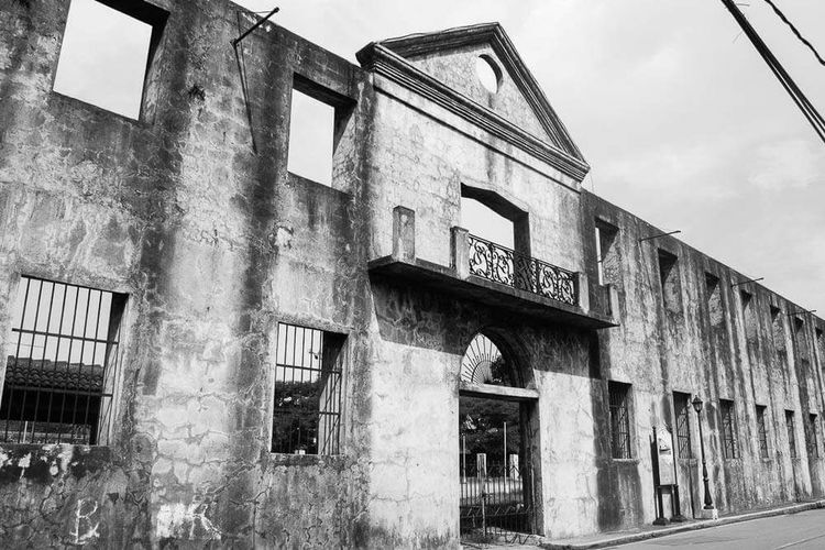 The Architect - 2016 EyeEm Awards Old Buildings Old Gate Architecture Landscape Building Architecture_bw