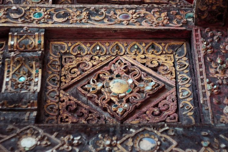 Multi Colored City Pattern History Ornate Design Close-up Architecture Built Structure Carving - Craft Product Sculpture Architecture And Art Temple - Building Buddha