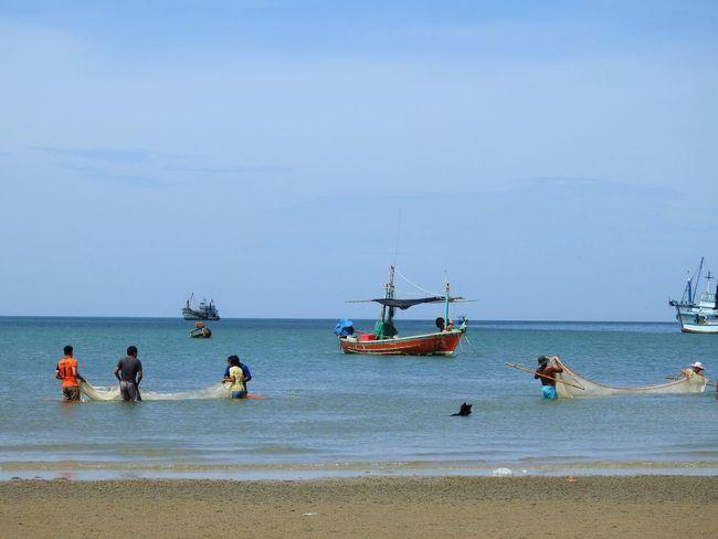 Fisherman Village Fisherman Boats⛵️ The Gulf Of Siam Beach Photography Happy Summer Prachuap Khiri Khan PrachuapKhiriKhan Ao Noi Thailand Real Thailand Holiday Sunny Day 🌞 Thai Summertime Summer ☀ EyeEmNewHere EyeEm Selects