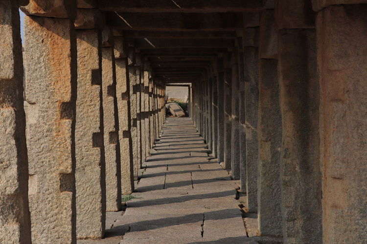 Ancient Civilization Architectural Column Architecture Coulmns Diminishing Perspective In A Row Onepointperspective Pillars Support Shadow
