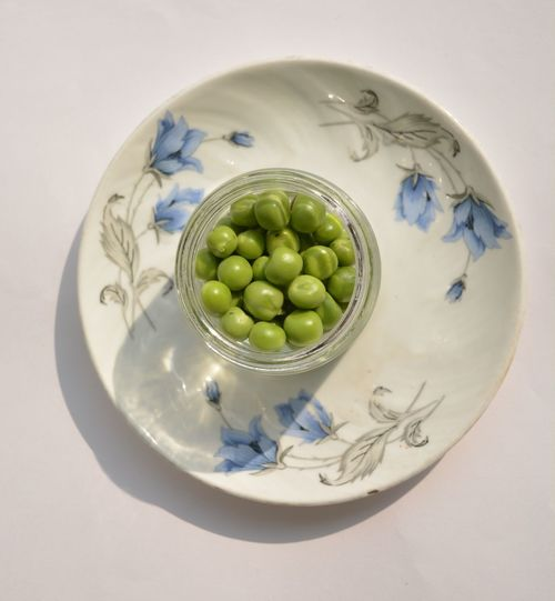 Green Peas From Above  Green Peas In The Basket White Album Bowl Chickpeas Close-up Day Food Food And Drink Food Photography Freshness Glass Glass - Material Green Peas Healthy Eating High Angle View Indoors  No People Olive Peas Studio Shot Things In A Glass White Background Food Stories