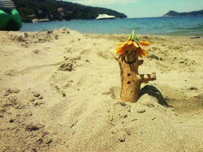 Island,sun,ship....beautifully