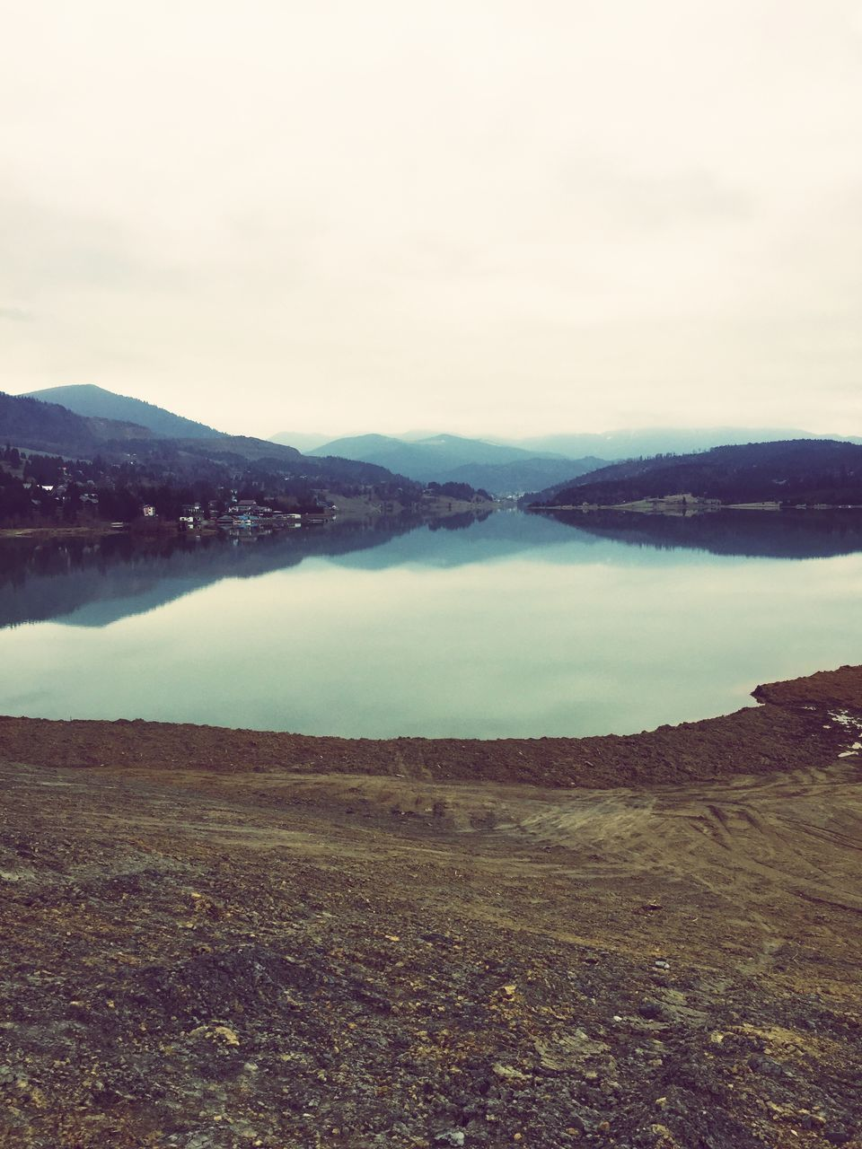 nature, beauty in nature, tranquil scene, tranquility, scenics, outdoors, mountain, no people, landscape, sky, day, water, lake