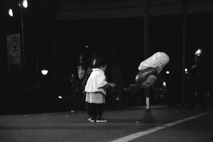 Humaninterestphotography Streetphotography Blackwhite People Outdoors Night