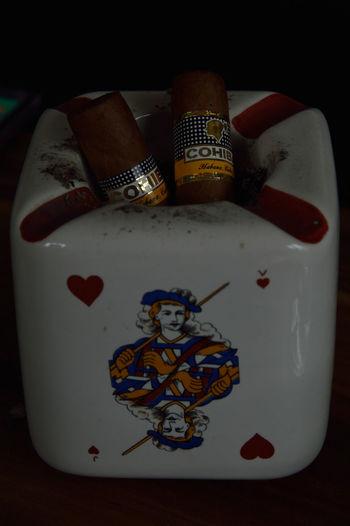 #cendrier #cigar #cigaro #cohiba#c #cuban Tobaco #Enjoyinglife #Holidays #pleasure #quiet #smoke #tobaco Indoors  Table