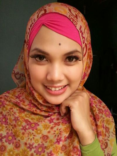 Girl Asian  Hijabfashion Hijabers Hijabbeauty Hijabselfie Hijaber