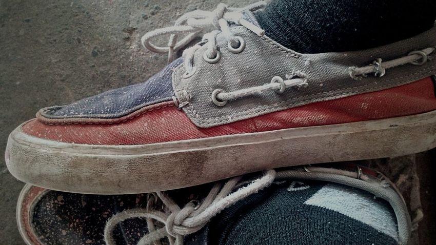 Shoe Close-up No People Pair Indoors  Dirty Shoes Pinting Pinturarapida