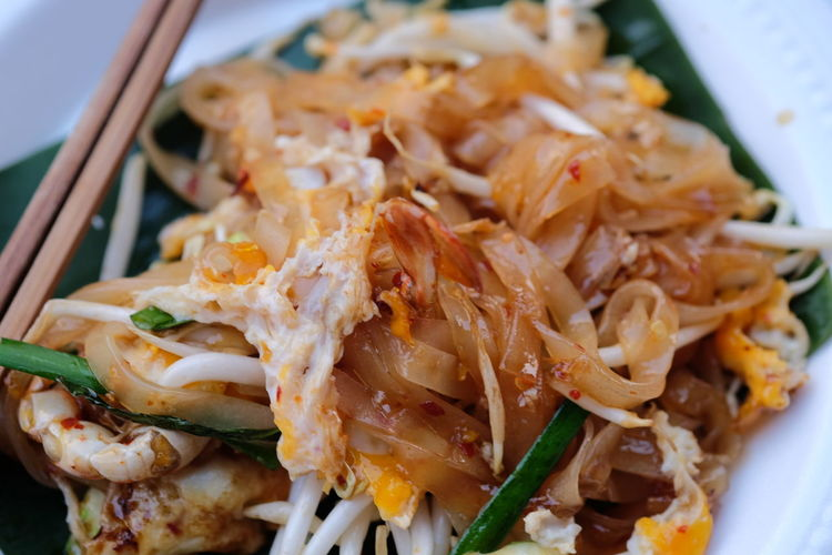 Close-up Focus On Foreground No People Noodles Pat Thai Selective Focus Street Food Tasty Thai Food Thai Noodle Thai Noodle Style Thai Street Food Yummy ก๋วยเตี๋ยว ผัดไทย