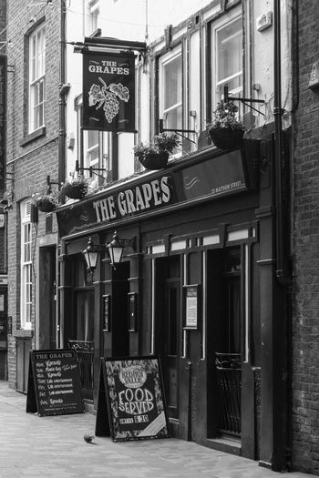 Street Architecture City Street Photography British The Beatles Sign Monochrome Liverpool English The Grapes Liverpudlian Building Exterior Built Structure Mathew Street The Grapes Pub Travel